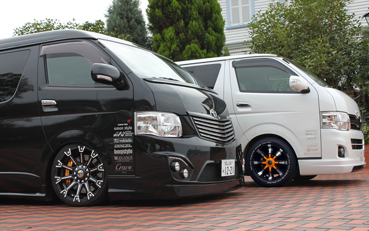 MONSTER [MAT BLACK POLISH / ALUMINUM SILVER] (attached to HIACE)