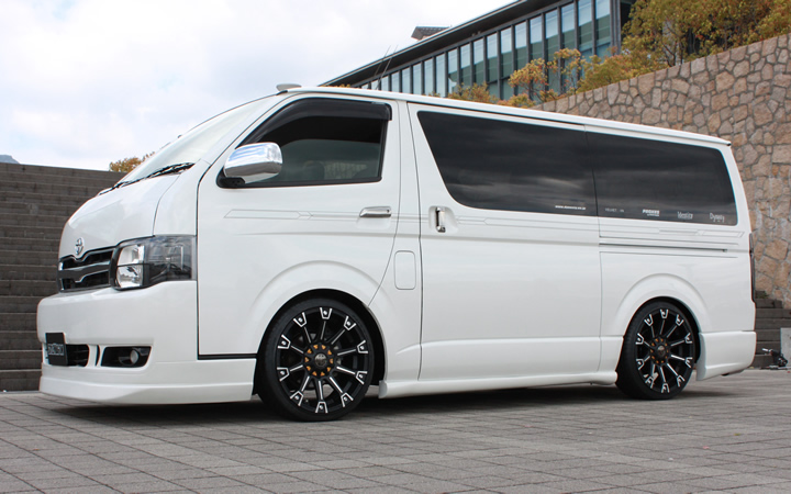 MONSTER [MAT BLACK POLISH / YELLOW] (attached to HIACE)