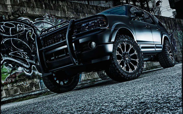 MONSTER [MAT BLACK POLISH] (attached to FORD EXPLORER)