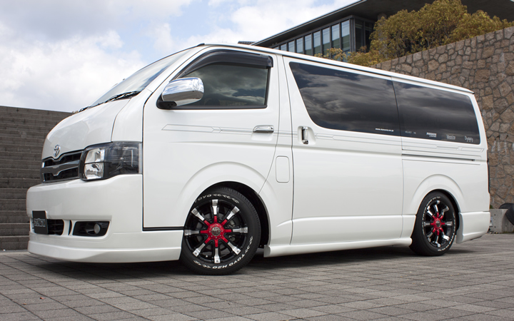 BEAST [BLACK POLISH / RED] (attached to HIACE)